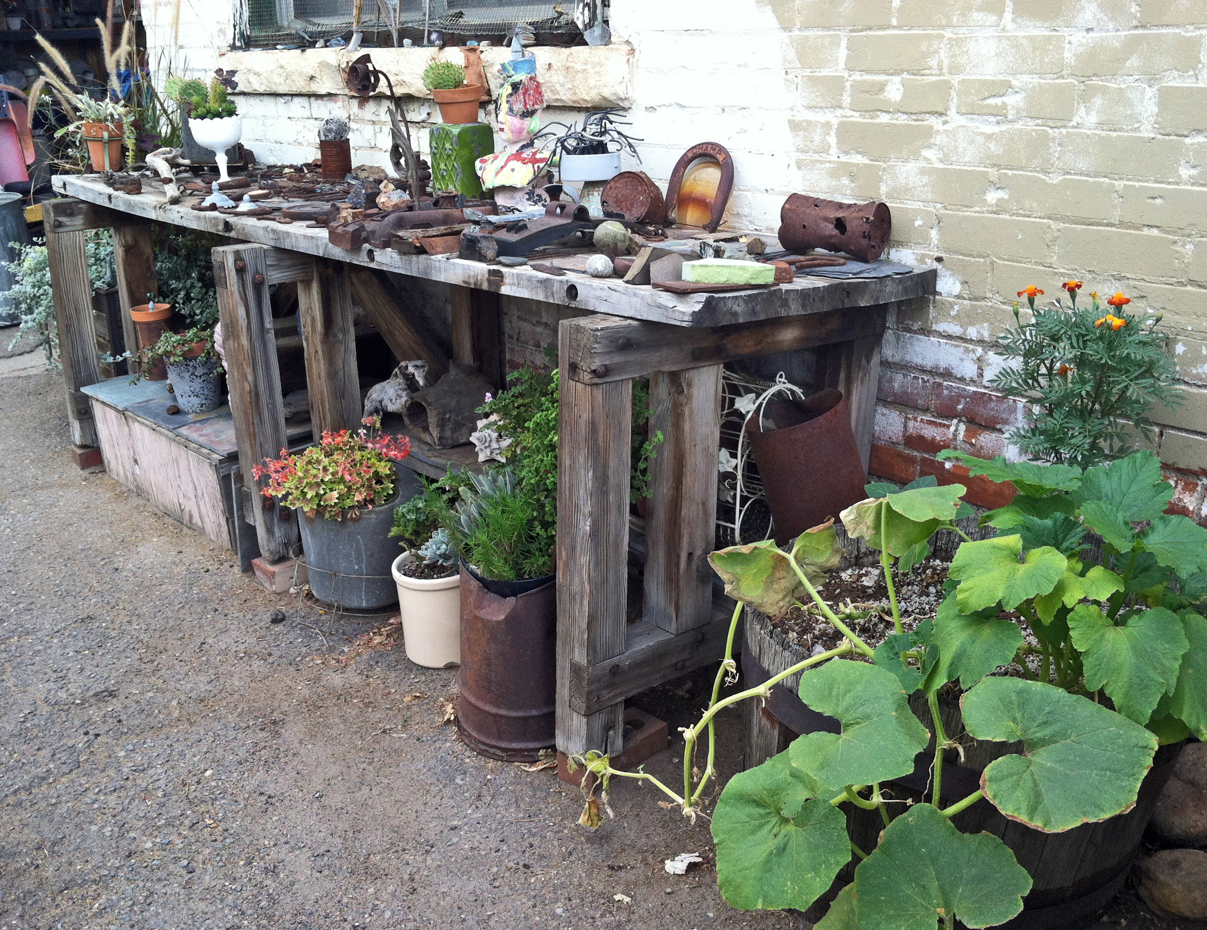 An Industrial Found Object Garden Delights More Fun Ideas