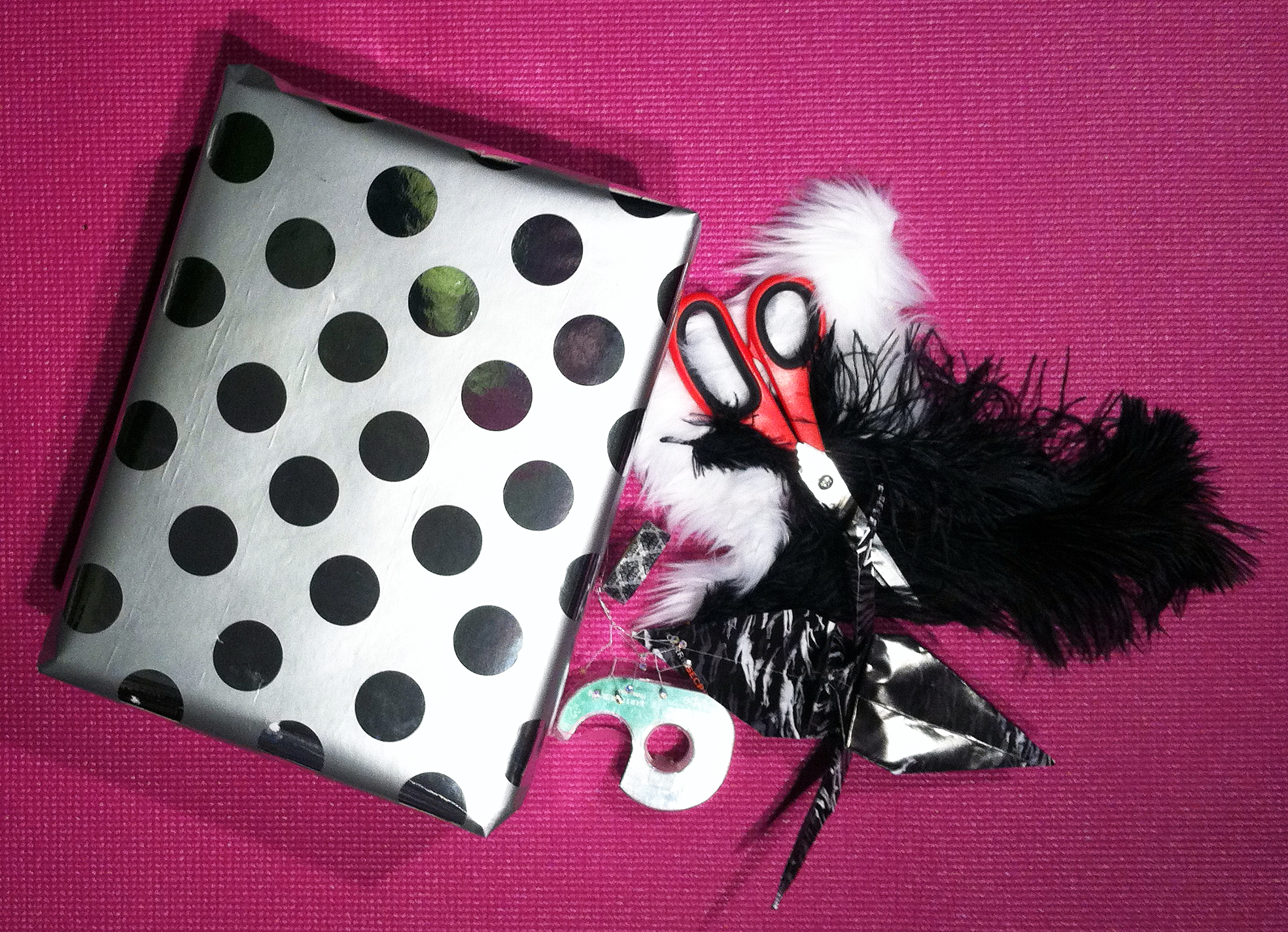 Gettin Crazy With The Gift Wrap Fun Diy Ideas For