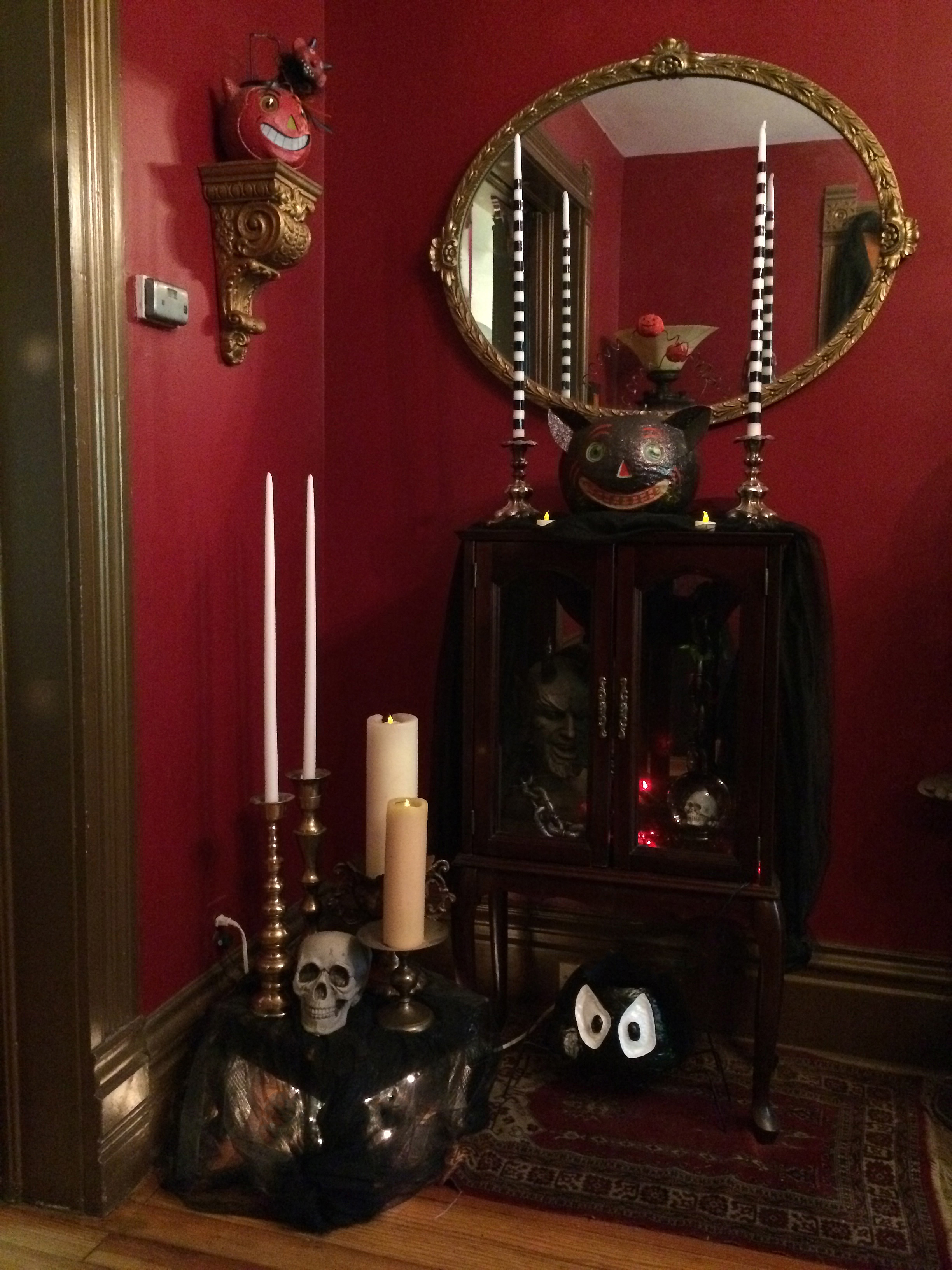 victorian gothic halloween a home tour today the front room decorating on the cheap. Black Bedroom Furniture Sets. Home Design Ideas