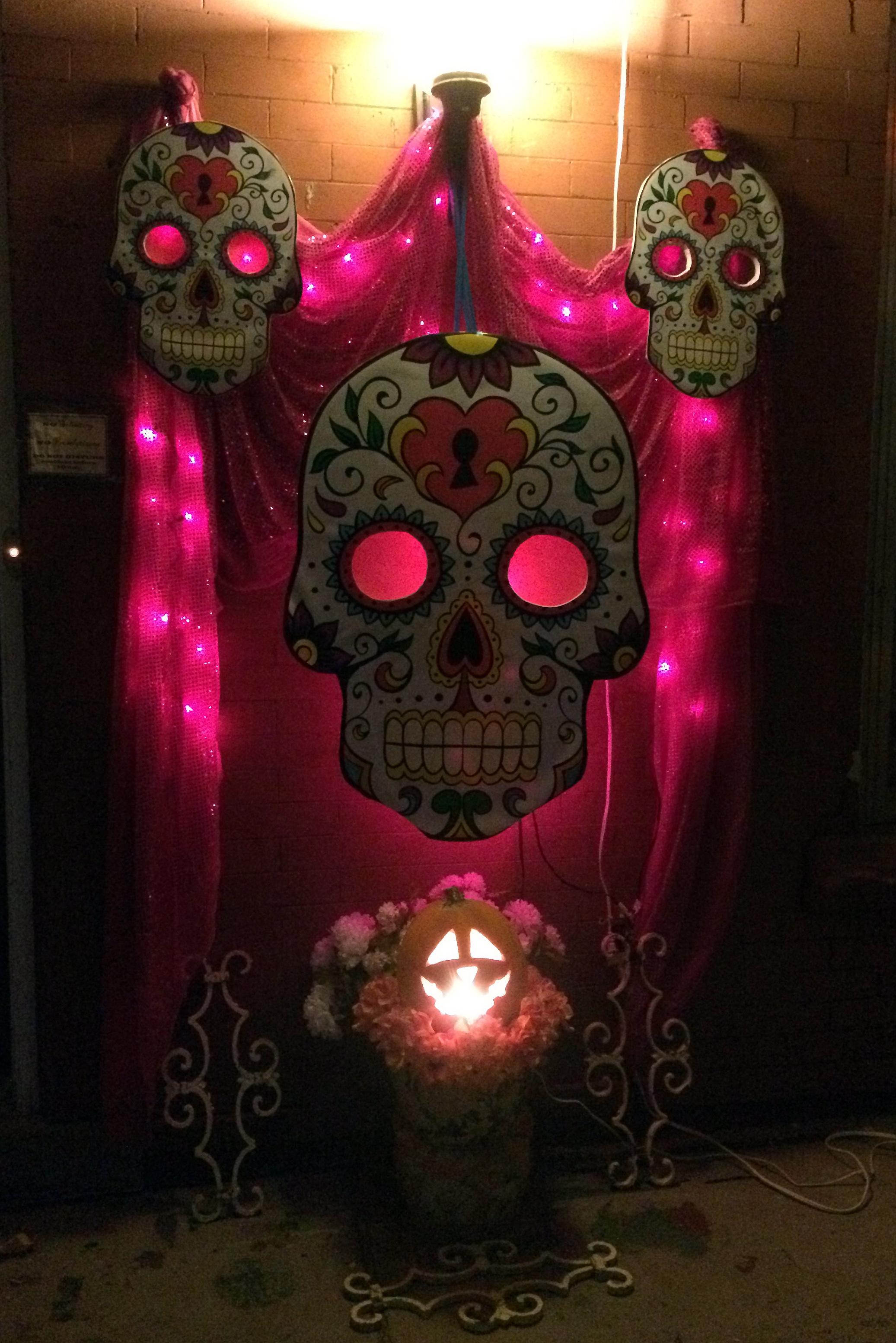 Day Of The Dead Deocrating Dia De Los Muertos Decorating