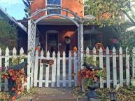 halloweenhousefront3