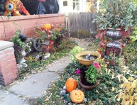 halloweenhousefront4